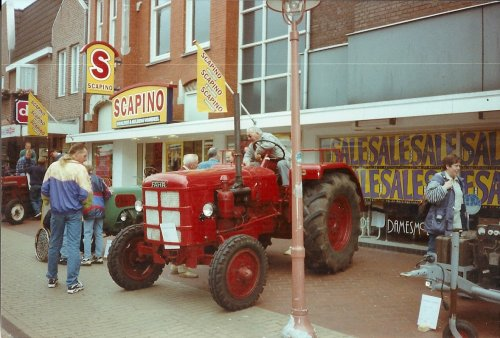 Foto van een Fahr D540, bezig met poseren.  jaren geleden in Coevorden gezien. Geplaatst door fomoco60 fomoco60 op 11-01-2015 om 22:09:11, met 8 reacties.