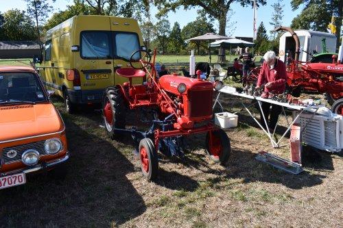 Foto van een Farmall Cub. Geplaatst door jordi 1455 op 27-09-2019 om 19:28:24, op TractorFan.nl - de nummer 1 tractor foto website.