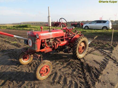 Foto van een Farmall Cub , nationale ploegwedstrijd 22/11/2019 in Stadskanaal.. Geplaatst door oldtimergek op 02-12-2019 om 14:11:50, op TractorFan.nl - de nummer 1 tractor foto website.