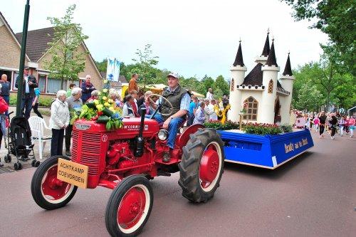 Foto van een Farmall DED3. Zuidenveld Zweeloo 2011.. Geplaatst door Lucas Ensing op 18-02-2020 om 14:10:25, op TractorFan.nl - de nummer 1 tractor foto website.
