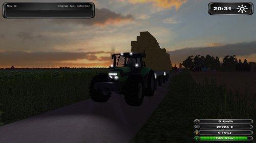 Foto van een Farming Simulator Deutz, bezig met balen halen.. Geplaatst door DB_jansen op 08-12-2011 om 21:50:28, op TractorFan.nl - de nummer 1 tractor foto website.