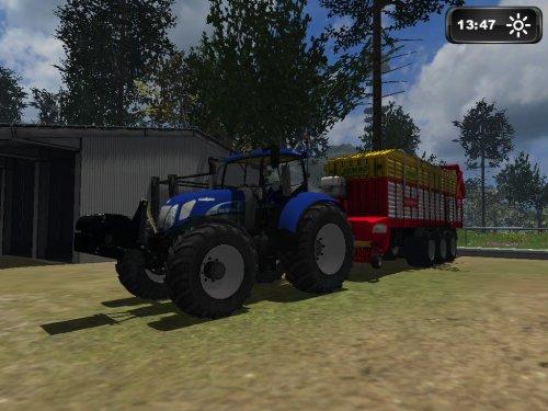 Foto van een Farming Simulator New Holland, bezig met gras inkuilen.. Geplaatst door joellll op 27-12-2011 om 08:32:33, met 22 reacties.