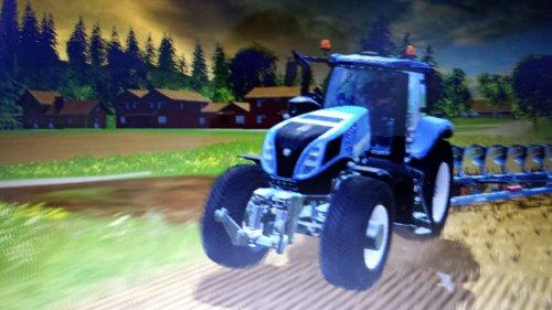 Foto van een Farming Simulator New Holland, druk bezig met Ploegen / Eggen.. Geplaatst door JD 6125R op 05-04-2015 om 10:26:40, met 7 reacties.
