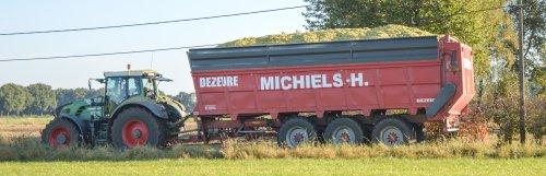 Het welgekend loonbedrijf in de mais campagne namelijk loonbedrijf Michiels H. Meer foto's van het mais hakselen --> http://agrospottingblog.com/2016/11/21/claas-jaguar-3/