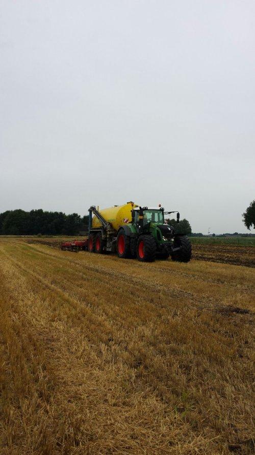 Foto van een Fendt 922. Geplaatst door fendt 922 op 26-12-2016 om 13:54:40, op TractorFan.nl - de nummer 1 tractor foto website.