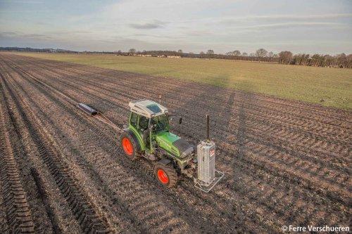 Van den Borne aardappelen met hun Fendt 210 P met grondboor, gamma en Dualem 21s sensor! (2017). Geplaatst door FerreV op 30-01-2017 om 16:56:40, met 11 reacties.