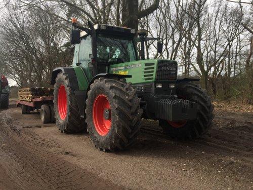 Kijk, daar heb je Gebr. Aldenzee BV (Deurne) × met een Fendt 512 C.. Geplaatst door FransFrago op 21-03-2017 om 14:22:50, op TractorFan.nl - de nummer 1 tractor foto website.
