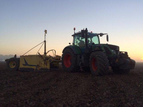 Foto van een Fendt 724. Geplaatst door fendt280v op 23-04-2017 om 20:40:24, op TractorFan.nl - de nummer 1 tractor foto website.