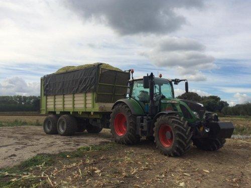 Foto van een Fendt 724. Geplaatst door fendt280v op 23-04-2017 om 20:40:25, op TractorFan.nl - de nummer 1 tractor foto website.