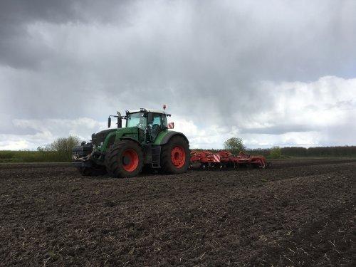 Foto van een Fendt 936. Geplaatst door fendt 922 op 03-05-2017 om 10:07:08, op TractorFan.nl - de nummer 1 tractor foto website.