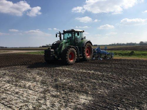 Foto van een Fendt 828. Geplaatst door fendt 922 op 03-05-2017 om 10:11:32, op TractorFan.nl - de nummer 1 tractor foto website.
