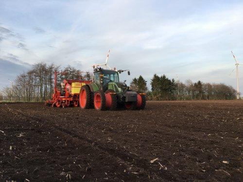 Foto van een Fendt 718. Geplaatst door fendt 922 op 03-05-2017 om 10:16:35, op TractorFan.nl - de nummer 1 tractor foto website.