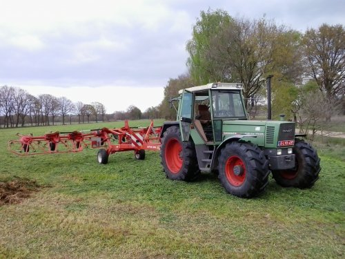 Foto van een Fendt 311 LSA. Geplaatst door fendt716,311driver op 19-05-2017 om 22:53:21, op TractorFan.nl - de nummer 1 tractor foto website.