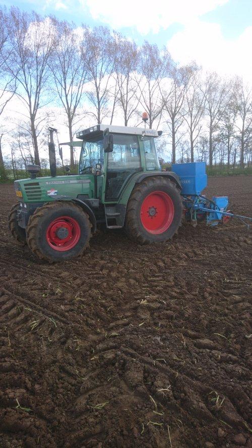 Foto van een Fendt 308 Holland Farmer mooi rustig werk dat poten!. Geplaatst door jesperb op 04-06-2017 om 19:48:03, op TractorFan.nl - de nummer 1 tractor foto website.