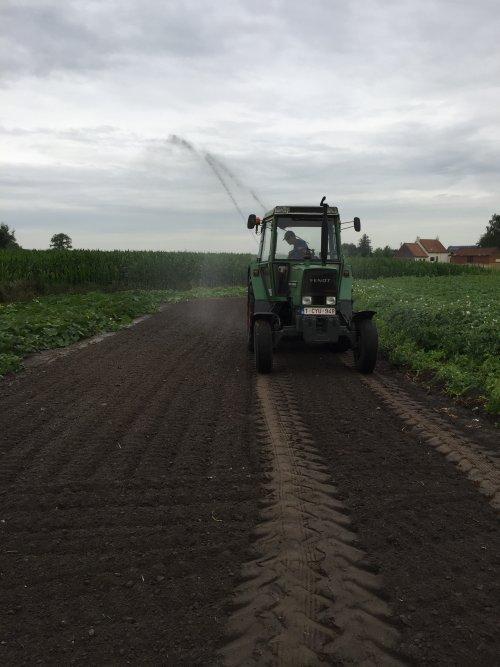 Foto van een Fendt 307 LS. Geplaatst door fendtdie 97 op 15-08-2017 om 19:47:59, op TractorFan.nl - de nummer 1 tractor foto website.