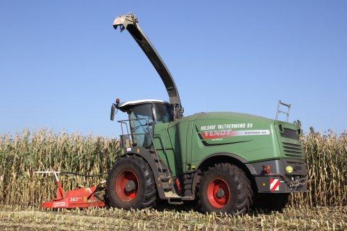 Een van de drie in NL aanwezige Fendt Katana's 65. Loonbedrijf Hulshof uit Valthermond.. Geplaatst door Ernst-Jan op 15-10-2017 om 20:47:53, op TractorFan.nl - de nummer 1 tractor foto website.