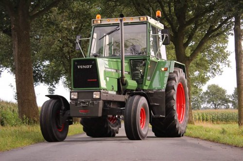 Fendt 611 Wallpaper