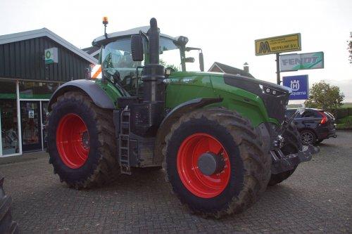 Foto van een Fendt 1050. Geplaatst door jans-eising op 14-11-2017 om 20:11:12, op TractorFan.nl - de nummer 1 tractor foto website.