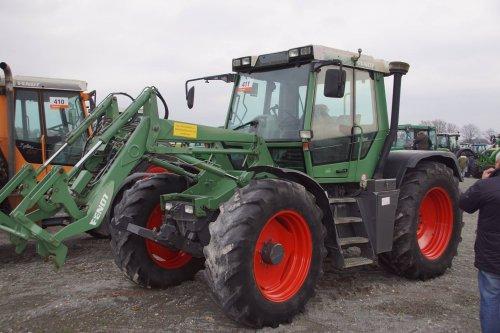 Foto van een Fendt Xylon 522. Geplaatst door jans-eising op 26-12-2017 om 09:39:12, op TractorFan.nl - de nummer 1 tractor foto website.