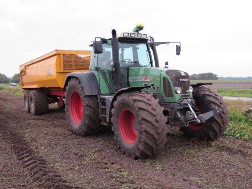 Foto van een Fendt 820. Geplaatst door jans-eising op 14-01-2018 om 11:41:33, op TractorFan.nl - de nummer 1 tractor foto website.
