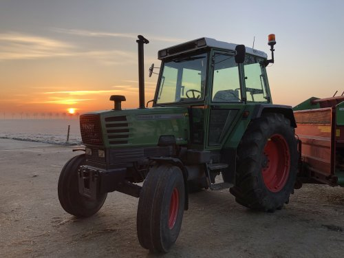 Fendt 307 LS van -NEW-HOLLAND-