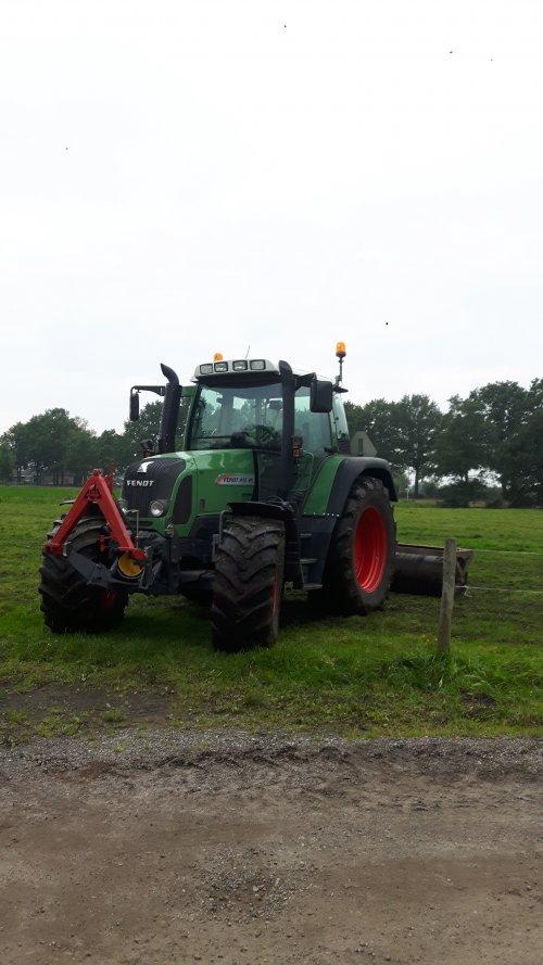 Foto van een Fendt 413. Geplaatst door Janfendt820 op 04-03-2018 om 19:36:58, op TractorFan.nl - de nummer 1 tractor foto website.