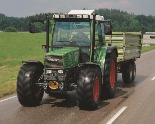 Foto van een Fendt 309 C komt van een oude fendt pers CD. Geplaatst door jordi 1455 op 08-03-2018 om 23:27:58, op TractorFan.nl - de nummer 1 tractor foto website.