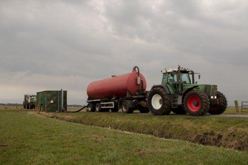 Kijk, daar heb je Loon-grondverzetbedrijf Doornewaard (Oosterwolde GLD) × met een Fendt 916.. Geplaatst door RiK H op 26-03-2018 om 20:35:51, op TractorFan.nl - de nummer 1 tractor foto website.