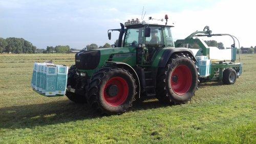 Foto van een Fendt 916 van Gebr. Blankespoor (Harskamp) aan het balen persen. Geplaatst door g-g op 11-07-2018 om 19:11:38, op TractorFan.nl - de nummer 1 tractor foto website.