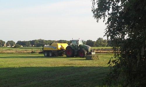 Foto van een Fendt 828. Geplaatst door dobbe op 15-07-2018 om 10:03:25, op TractorFan.nl - de nummer 1 tractor foto website.