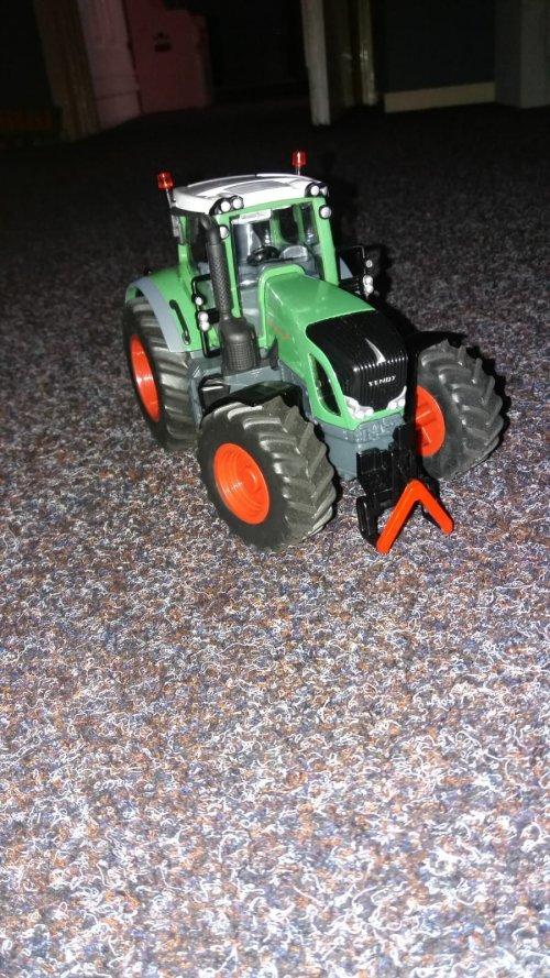 Foto van een Landbouw miniaturen 1:32 Fendt vario. Dit is siku control 1:32 Fendt 939. Geplaatst door bertwin8 op 10-08-2018 om 10:38:35, op TractorFan.nl - de nummer 1 tractor foto website.