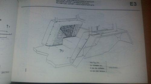 Foto van een Fendt 300 Serie detail tekening uit de ersatsteil bild katalog hoe je de bekleding uit de kabine haald.