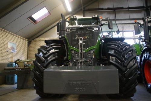 Foto van een Fendt 1050. Geplaatst door jans-eising op 12-01-2019 om 19:20:19, op TractorFan.nl - de nummer 1 tractor foto website.