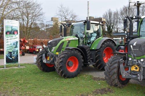 Foto van een Fendt 724. Geplaatst door jordi 1455 op 10-02-2019 om 22:39:32, op TractorFan.nl - de nummer 1 tractor foto website.