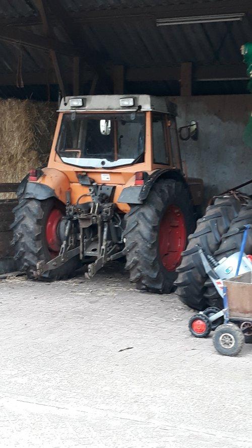 Foto van een Fendt 240 S. Geplaatst door steyrlanzboy op 23-03-2019 om 18:38:55, op TractorFan.nl - de nummer 1 tractor foto website.