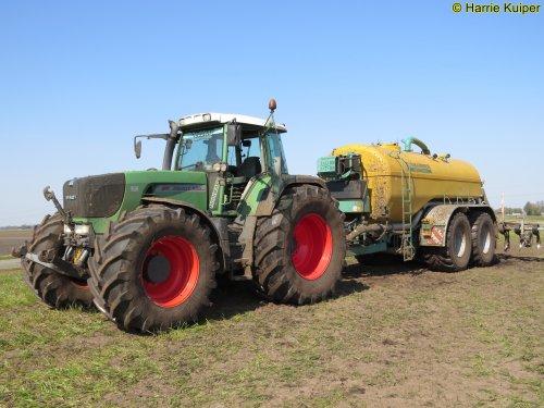 Foto van een Fendt 920 met een zunhammer tank.. Geplaatst door oldtimergek op 02-05-2019 om 00:09:56, op TractorFan.nl - de nummer 1 tractor foto website.