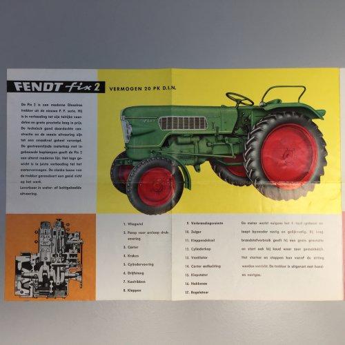De binnenzijde van de folder van de Fix 2. Geplaatst door fendt fix fan op 07-05-2019 om 18:52:23, op TractorFan.nl - de nummer 1 tractor foto website.