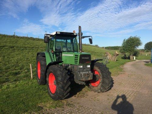 Foto van een Fendt 514 C lekker van de zon aan het genieten. Geplaatst door T930  op 18-05-2019 om 17:27:09, op TractorFan.nl - de nummer 1 tractor foto website.