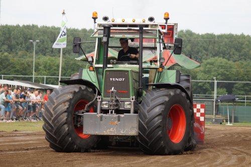 Foto van een Fendt 615 LSA Turbomatik E goed voor een 2e plaats in de 10tons klasse bij tt axel.. Geplaatst door joey-bertram op 24-06-2019 om 15:54:51, op TractorFan.nl - de nummer 1 tractor foto website.