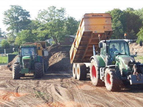 Foto van een Fendt 724. Geplaatst door schluterman op 20-08-2019 om 19:44:22, op TractorFan.nl - de nummer 1 tractor foto website.