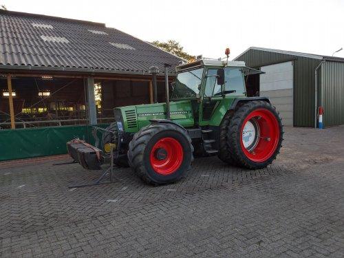 Foto van een Fendt 614. Geplaatst door arnoud op 19-09-2019 om 23:56:28, op TractorFan.nl - de nummer 1 tractor foto website.