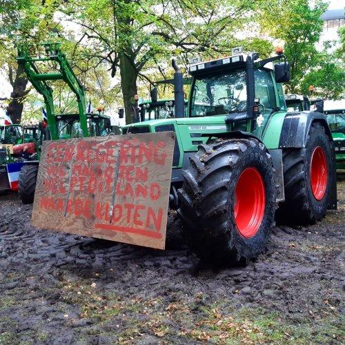 Foto van een Fendt 818 ook aanwezig geweest op het boerenprotest. Wat een geweldige dag 🚜💪🏻