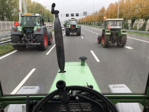 Foto van een Fendt Meerdere, onderweg naar Den Haag afgelopen woensdag. Geplaatst door Angelo368 op 18-10-2019 om 13:49:01, met 28 reacties.