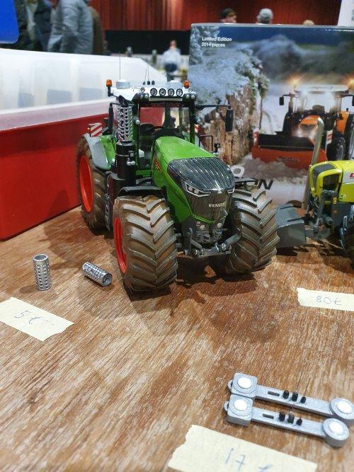 Foto van een Landbouw miniaturen 1:32 Fendt. Geplaatst door T.Tanis op 24-11-2019 om 10:01:03, op TractorFan.nl - de nummer 1 tractor foto website.