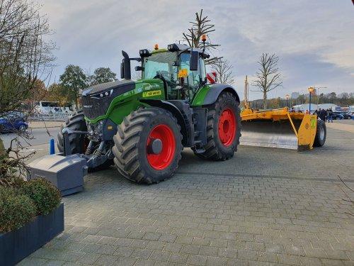 Foto van een Fendt 1050 van Van Werven Oldebroek (Oldebroek) ×.. Geplaatst door T.Tanis op 24-11-2019 om 10:03:42, met 5 reacties.