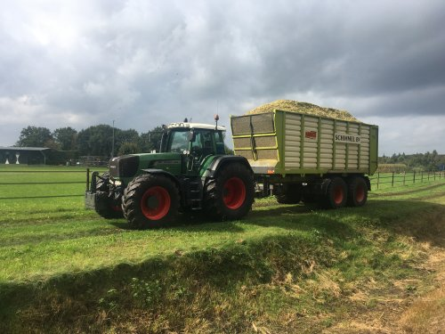 Foto van een Fendt 920 van Loon-& Grondverzetbedrijf Schimmel Scherpenzeel (Scherpenzeel). Geplaatst door B - W op 02-12-2019 om 20:45:00, op TractorFan.nl - de nummer 1 tractor foto website.
