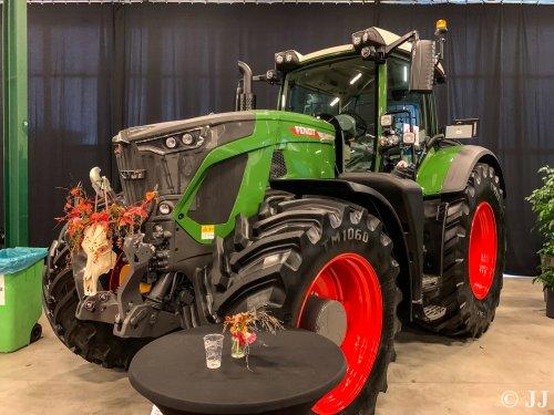 Fendt 942 te zien bij de show van Abemec in Veghel.. Geplaatst door JJ op 09-12-2019 om 20:36:24, op TractorFan.nl - de nummer 1 tractor foto website.