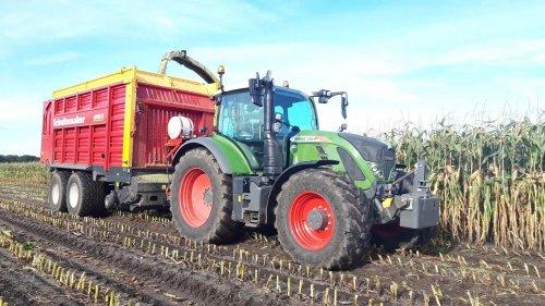 Foto van een Fendt 720 https://youtu.be/Cuhl5DKJoxY. Geplaatst door g-g op 21-12-2019 om 17:07:30, op TractorFan.nl - de nummer 1 tractor foto website.