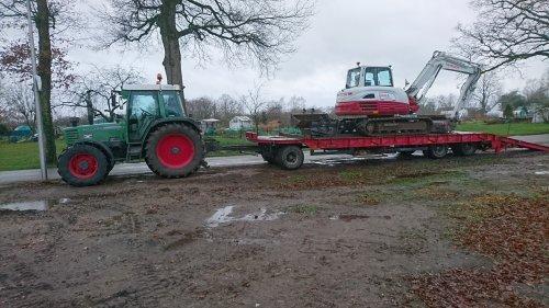 Foto van een Fendt 308 Holland Farmer waarschijnlijk het laatste transport voor 2019 gedaan.. Geplaatst door jesperb op 25-12-2019 om 13:30:16, op TractorFan.nl - de nummer 1 tractor foto website.