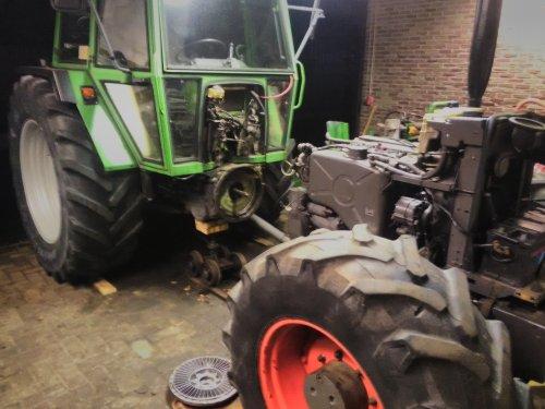 Deze week elke avond na het werk een stukje verde gewerkt aan project 308. Gister dan eindelijk de tractor gesplitst. (Ik was nog aan het wachten op de splitsrail en krik) Vloeistofkoppeling uiteen gehaald, die O-ring heeft zijn beste tijd wel gehad na nadere inspectie.